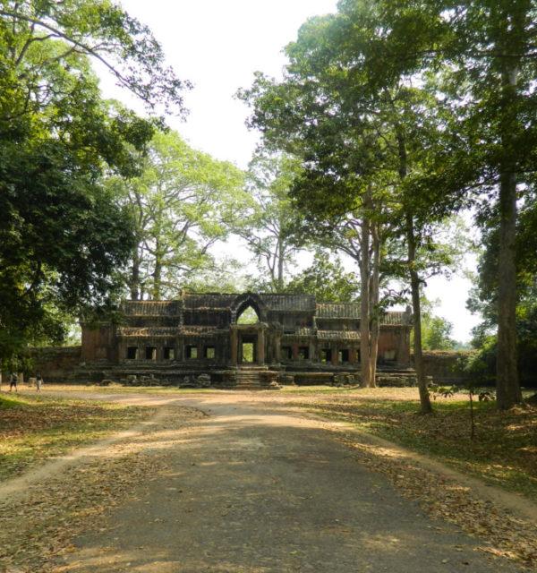 angkor-wat-2-1385-1-600x640