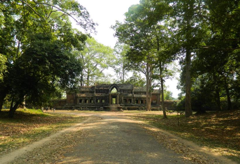 angkor-wat-2-1385-1-820x560