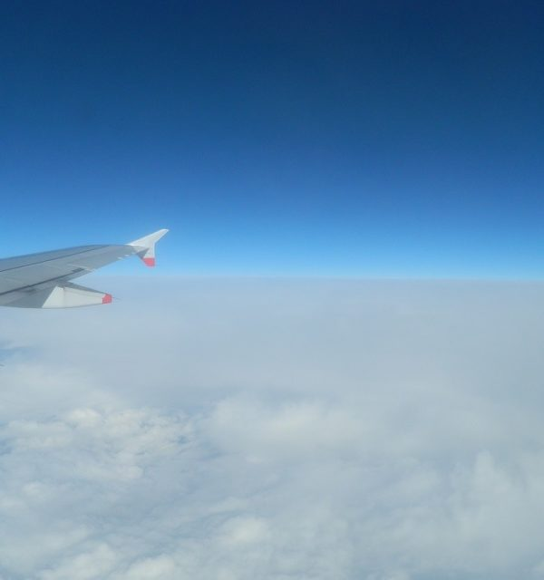 avion-au-bout-de-la-terre-600x640